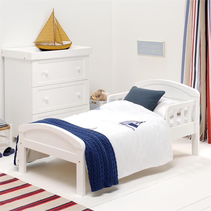 Toddler bed country white